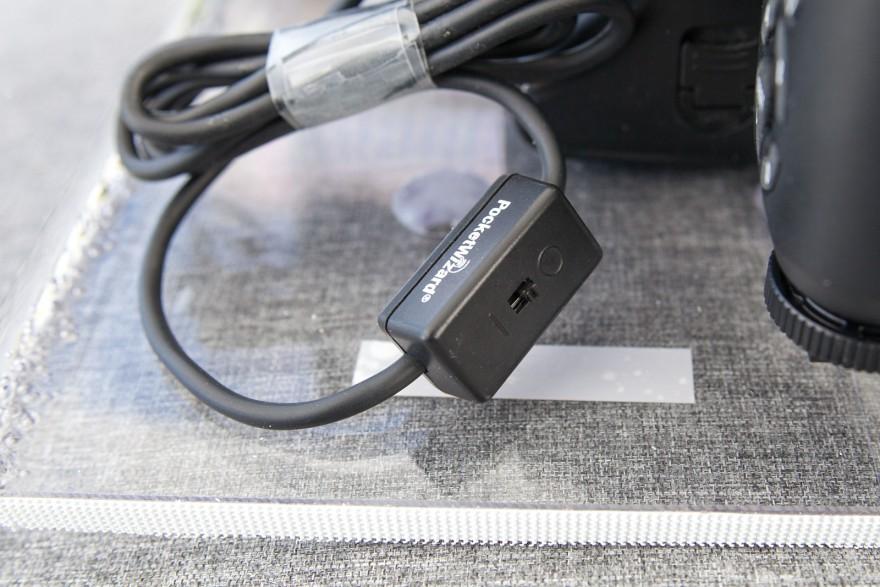 Kabel med kontakt